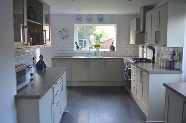 kitchen makeover - howdens greenwich shaker grey