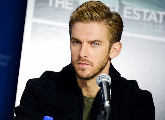 Dan Stevens | Oooh, love this sexy and brooding look. He looked so good during the Fifth Estate press conference.