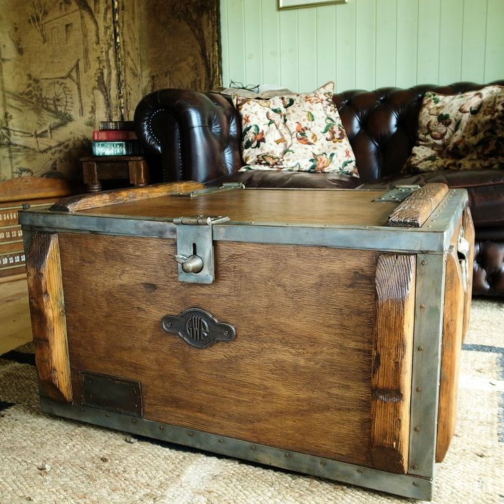 VINTAGE INDUSTRIAL CHEST Military Tool Chest STORAGE TRUNK Coffee Table GWR  BOX