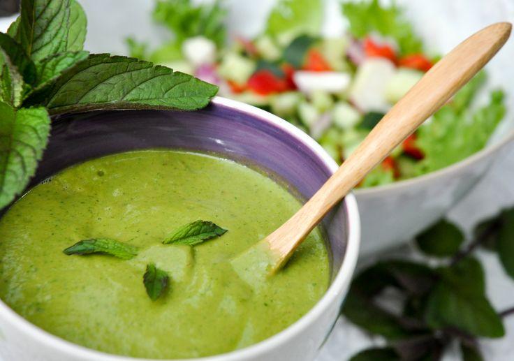 Salatdressing med avokado, appelsin og mynte
