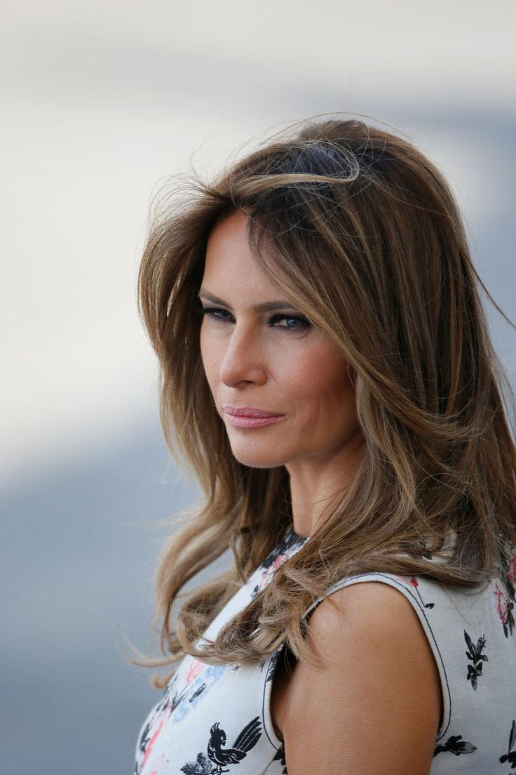 Melania Trump raises eyebrows on Twitter after anti-bullying speech at middle school