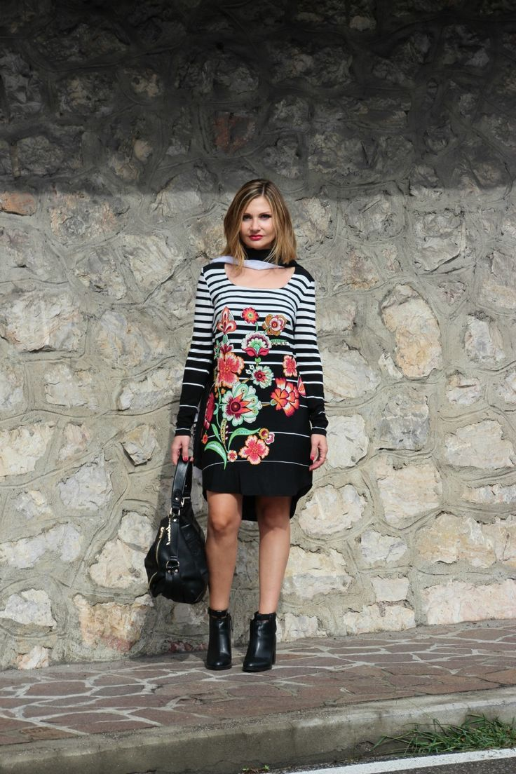 Fiori esotici anche in Autunno per un outfit cool sul vostro fashion blog del cuore. Tropical flowers in bloom for a cool Fall Fashion Outfit. Fiori esotici anche in Autunno - Outfit Cool Fiori esotici anche in Autunno sul mio…