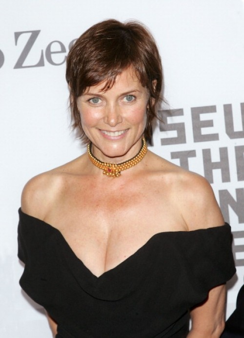 Carey Lowell (50)  See more hairstyles for Women over 45 http://stillblondeafteralltheseyears.com/category/hairstyles-for-women-over-45/   #Hairstyles #HairstylesWomenover45 #Womenover45