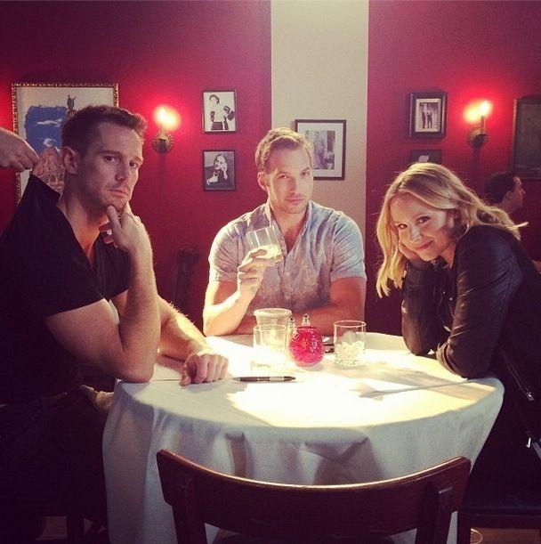 Jason Dohring (Logan), Ryan Hansen (Dick) and Kristen Bell (Veronica) behind the scenes of Veronica Mars.