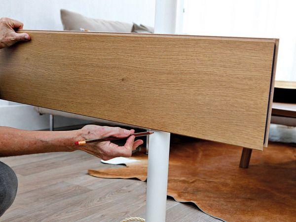 2 мастер-класса о том, как сделать оригинальные легкие ширмы-экраны для маленькой комнаты своими руками из подручных материалов, в том числе - остатков отделочных