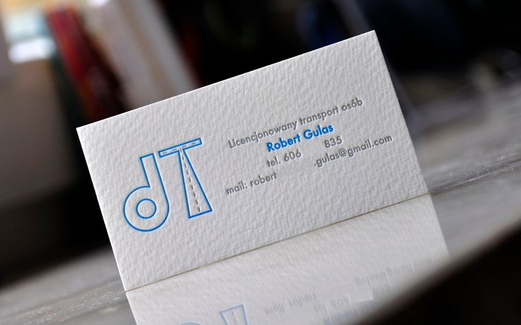 Almost all strongly distinctive hues looks great in combination with grays when they are printed and embossed using letterpress. Therefore, dear designer / client remember: an interesting color is your friend - boredom and clichés are your enemies!