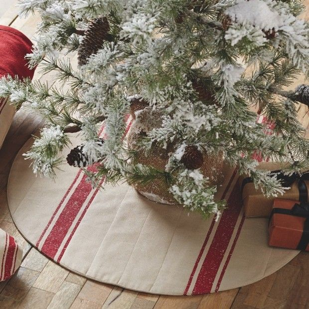red-and-white-striped-21-tree-skirt