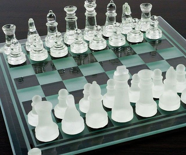 Best 25 Glass Chess Set Ideas On Pinterest Glass Chess