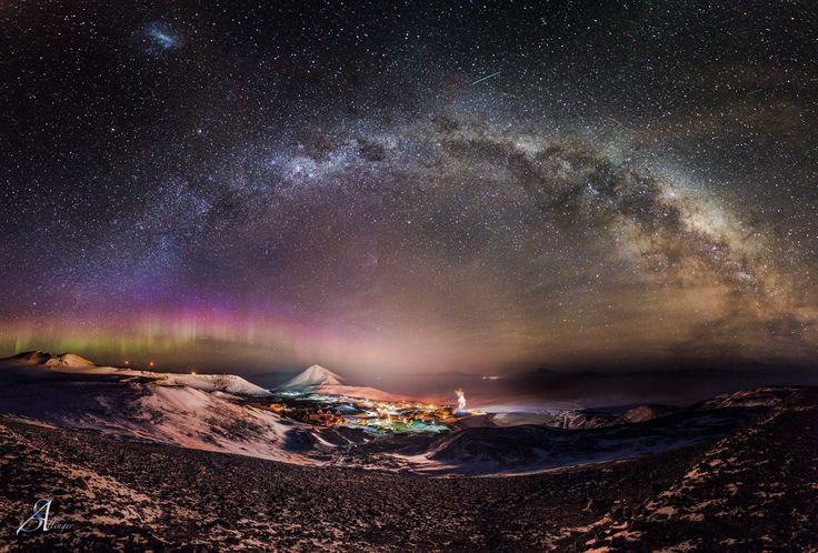 McMurdo Station - 4.August.2016. [2048x1386] (compressed for upload) - Stephen Allinger. wallpaper/ background for iPad mini/ air/ 2 / pro/ laptop @dquocbuu