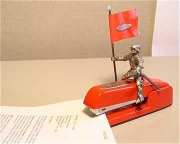I need to dress us my red swingline stapler like this.. hehe