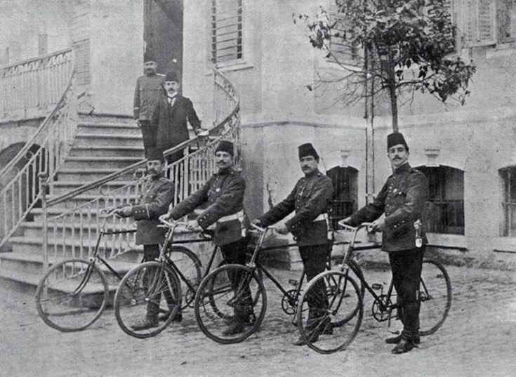Adana Osmanlı zamanı bisikletli polisleri.