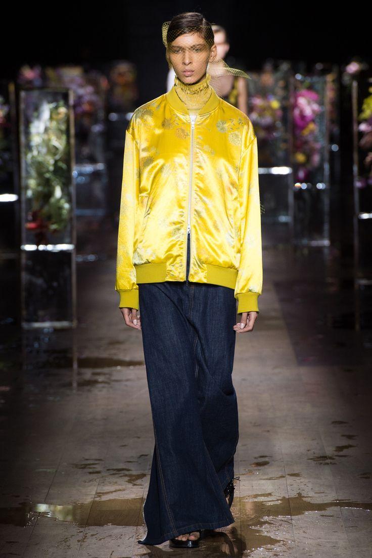 Dries Van Noten Spring 2017 Ready-to-Wear Fashion Show - Alice Metza (Elite)