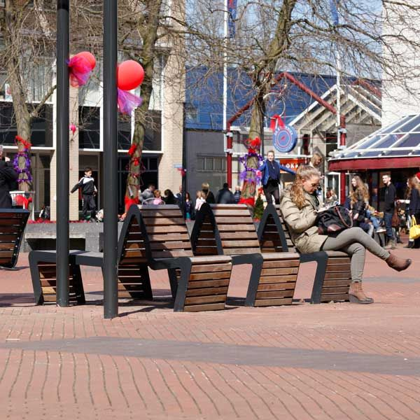 FalcoLinea Sofa banken in centrum Alphen aan de Rijn.
