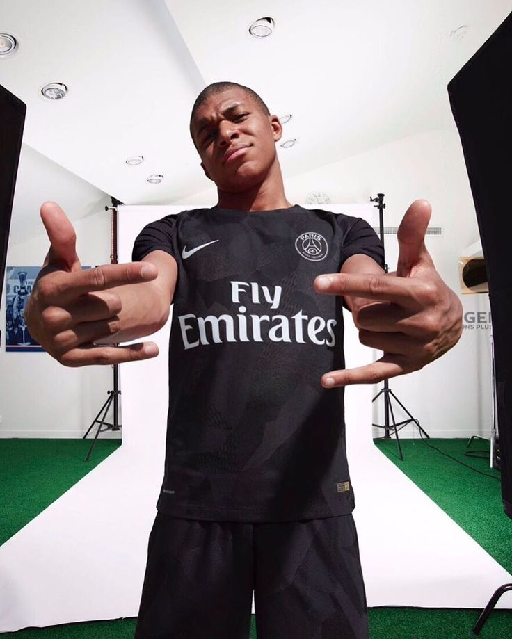 Kylian Mbappe Sings Initiation Song Ahead Of Psg Debut: 13 Best Kylian Mbappé Images On Pinterest