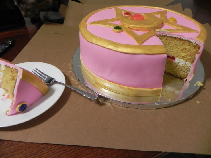 """dimblethum: """"just… cant believe i spent twenty years NOT having a sailor moon cake for my birthdays. my mom's friend made this for me and it turned out so incredible """""""