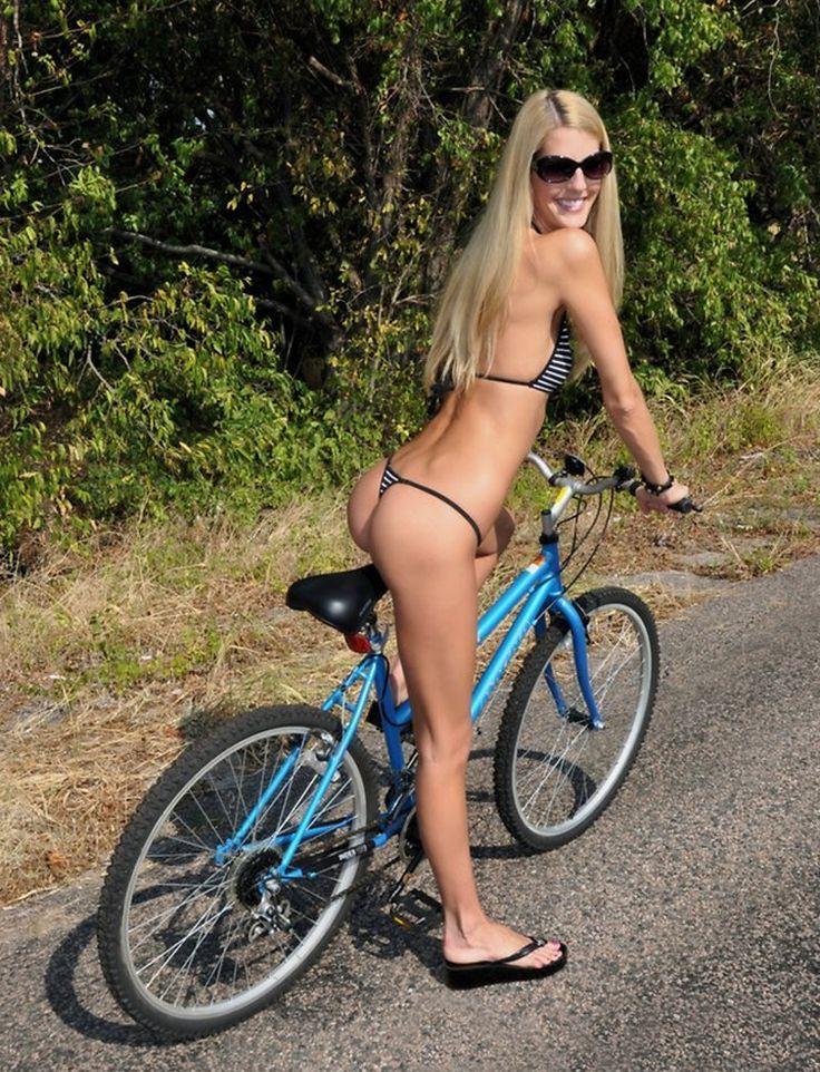 sexy-naked-bmx-girl