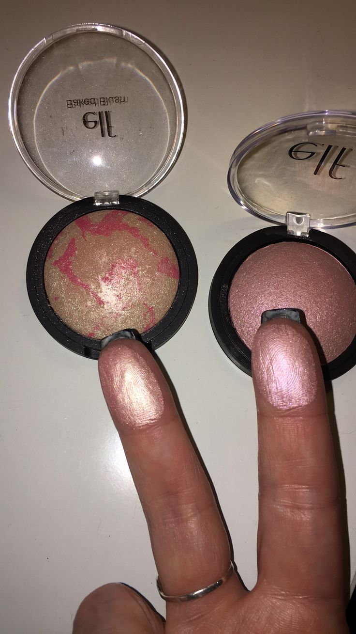 elf Pink Tastic (baked blush but so much better as a highlighter) on the left and pink diamonds baked highlighter on the right. Gorgeous! ❤️