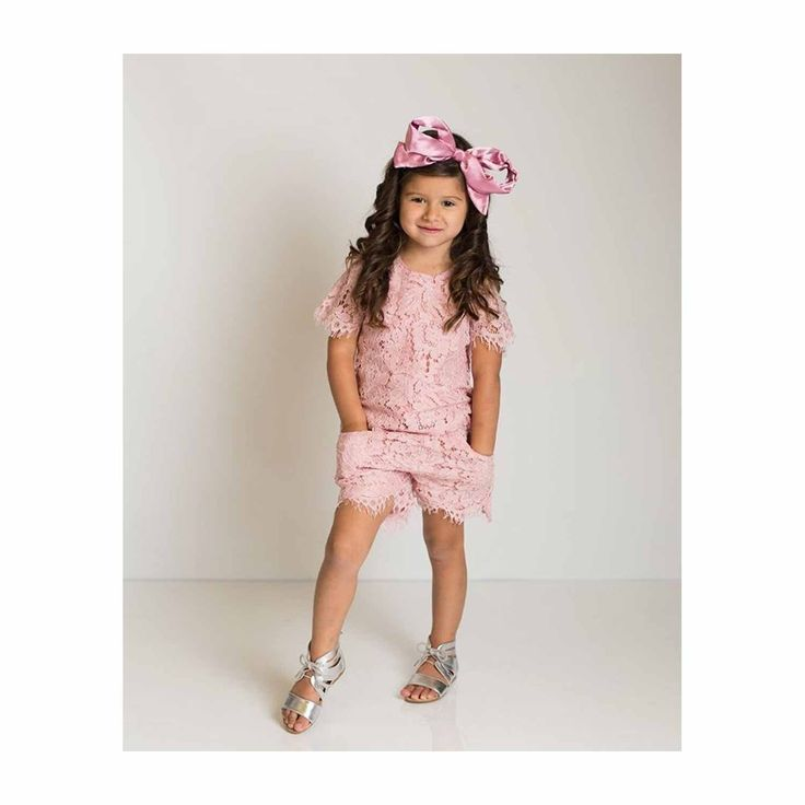 Lucy Present Bow on Adjustable Soft and Stretchy Headband – ZeldaMatilda.com