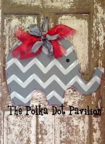 Chevron Elephant. This would be so cute in a little girls room too, with a pink bow!