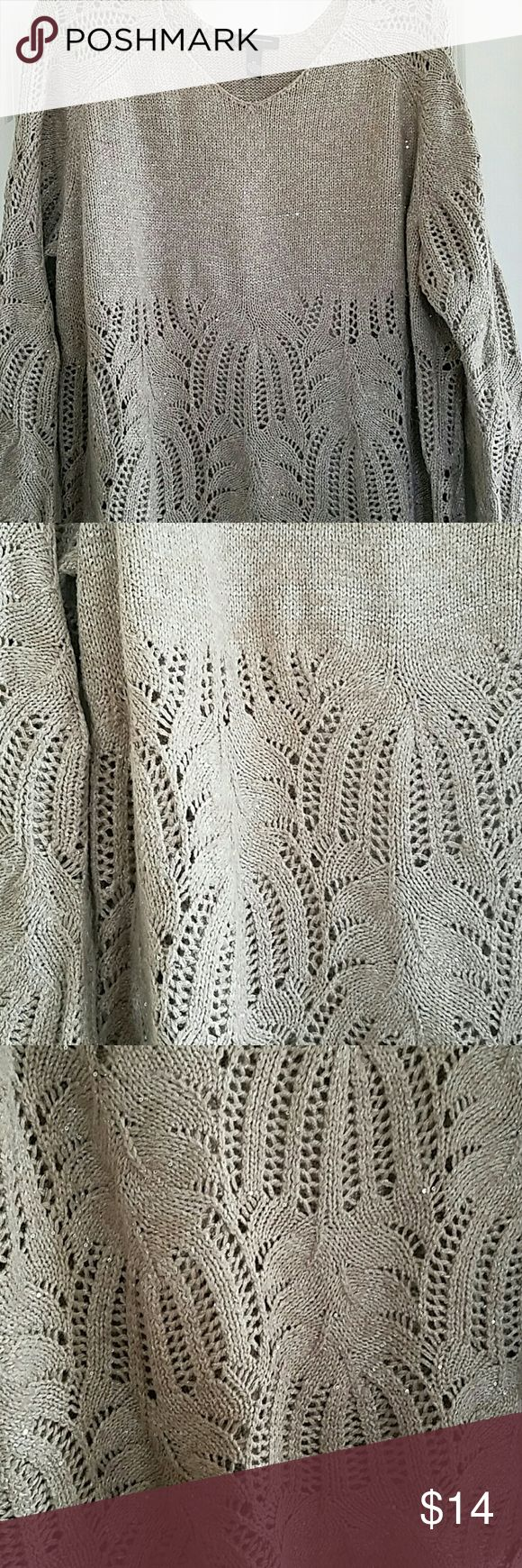 3X v-neck sweater tunic Open net sleeves and skirt on this pretty dope sweater by International Concepts woman size 3x 30 inches at centre-back Sweaters