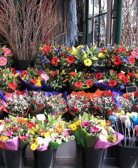 111 best flower cart images on pinterest for Flower shop design layouts