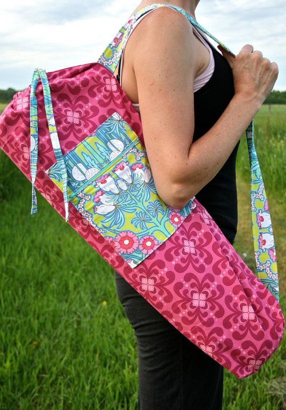 Yoga Bag in Pink with Flowers and a Zipper Pocket