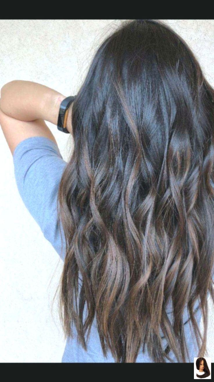 Haar kurzes Junges brünettes Langes Haar