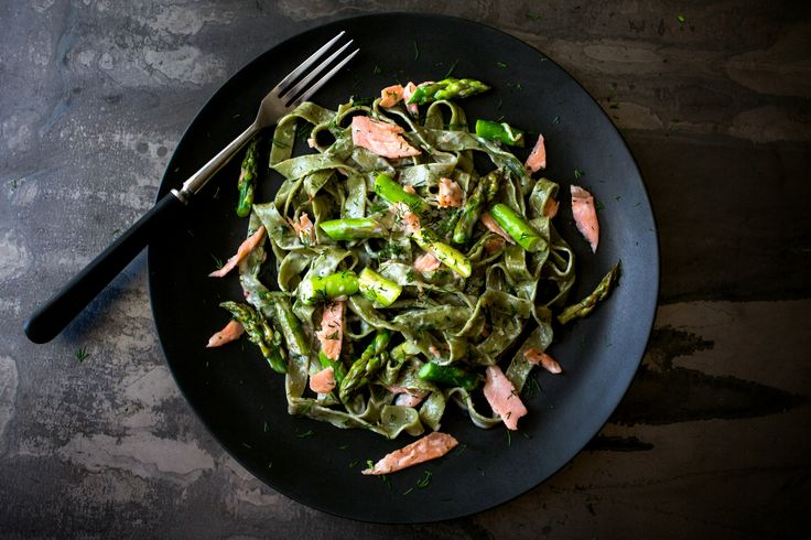 Fresh pasta, asparagus and smoked salmon are tossed with shallot cream sauce in this elegant weeknight dinner that can be prepared in well under an hour.
