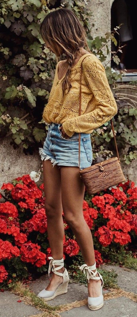 summer with the best travel shoes julie sarinana outfit