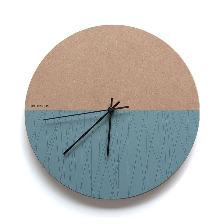 Line Wall clock by TYDLOOS.COM