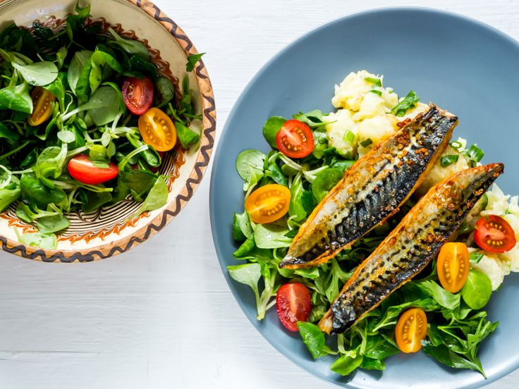 Mackerel with new potatoes and salad