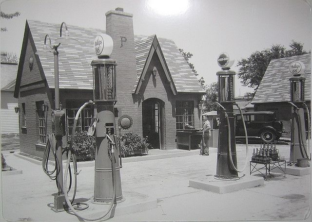 1920s Cottage style Phillips 66 Service Station