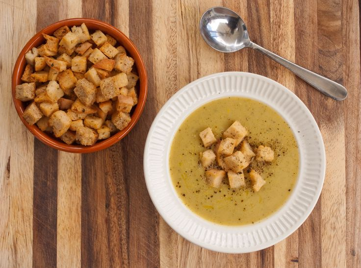 Courgette (zucchini) Soup with Rosemary and Garlic Croutons by tastyshoestring.com