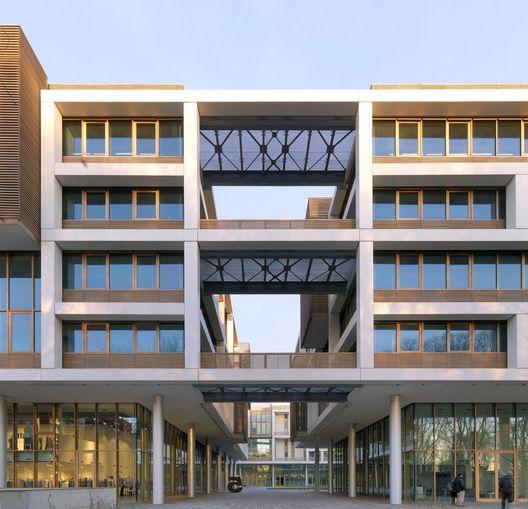 Tortona 37 Complexo Multifuncional / Matteo Thun & Partners