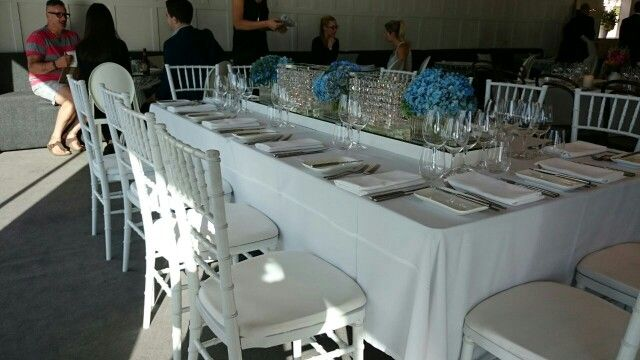 Table decorations: blue crystal