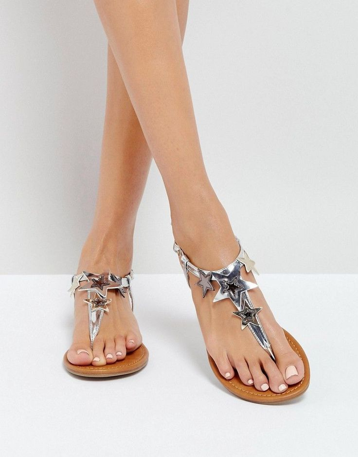 NEW LOOK STAR THONG FLAT SANDAL - SILVER. #newlook #shoes #