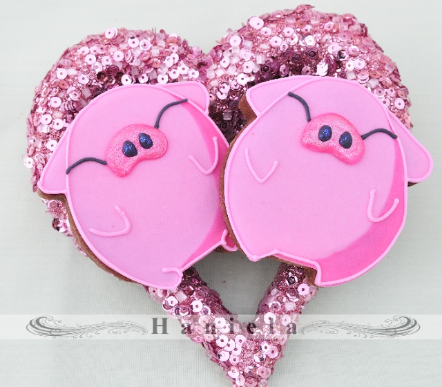 Haniela's: Pig Cookies