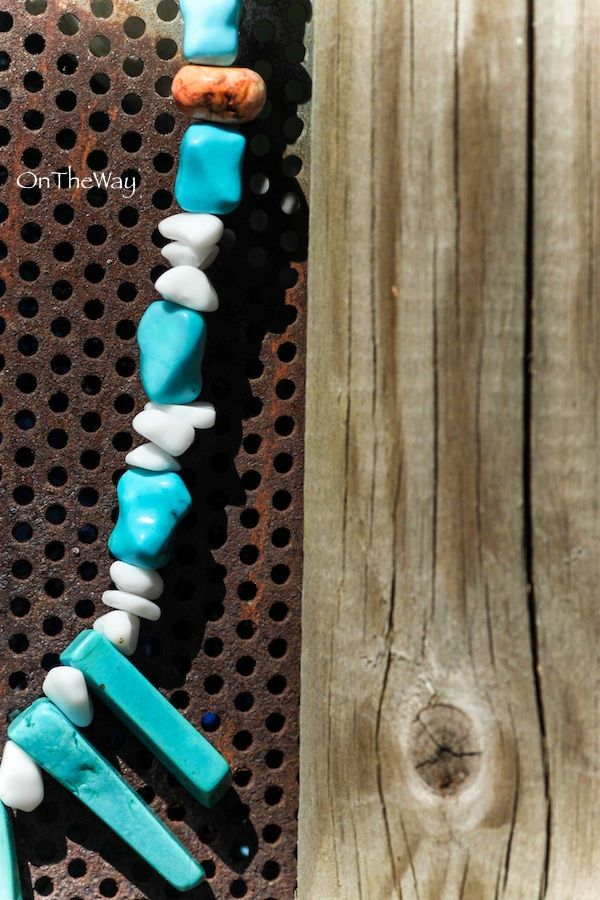 LanguWorld making jewellery. Turquoise and white stone.