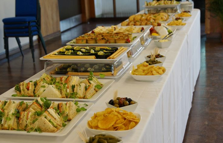 Conquering that long buffet isn't as easy as it looks.