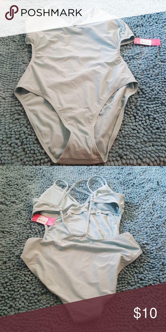 Bathing suit, price negotiable Chic light green bathing suit, light padding Xhilaration Swim One Pieces