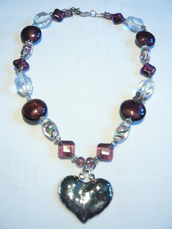 Crystal/Pink Necklace w. Silver Heart.