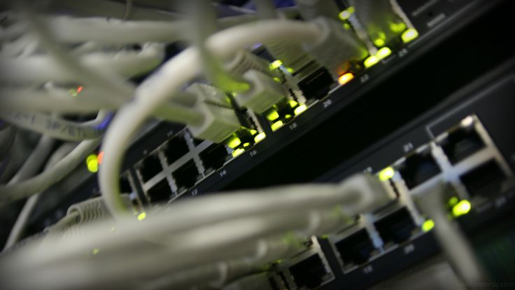 server network http://www.wallpapersu.com/server-datacenter-wallpaper-images/