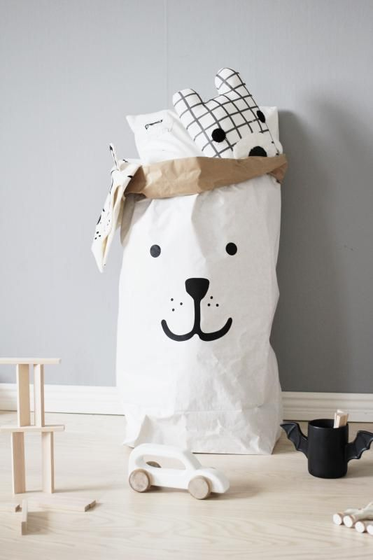 Tellkiddo paper bag. A Must Have for every room.