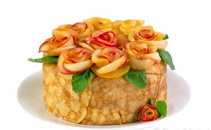 Вкусный блинный пирог с яблоками