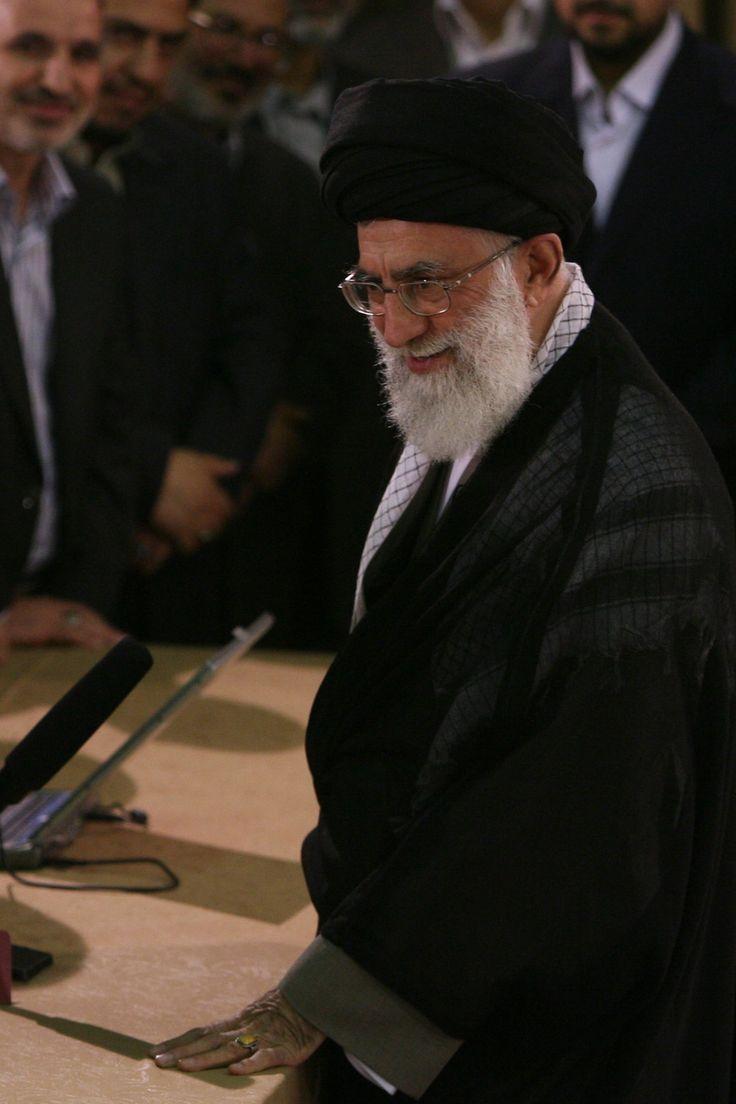 قائد الثورة الإسلامية المعظم