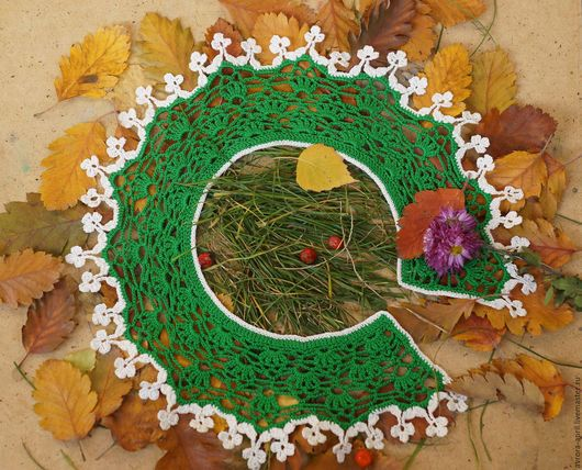 Осень - рыжая девчонка Шьет наряды тонко-тонко: Красные, бордовые, желтые листки - Это лоскутки.   Минухина К. (стихотворение школьницы 8 лет)