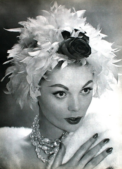 Feather hat wig by Albouy, collier by Francis Winter, 1958: 1950S Hats, Vintage Hats, 50S Inspiration, 1950 S, 1950S Fashion, Vintage Headwear