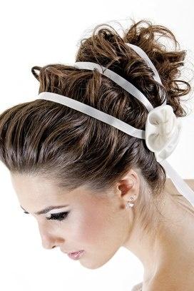 19 penteados com acessórios para noivas - A Magia do Penteado - iG
