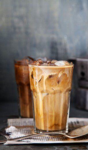 Im Sommer ist ein Eiskaffee eine gute Alternative zu einem heißen Cappuccino