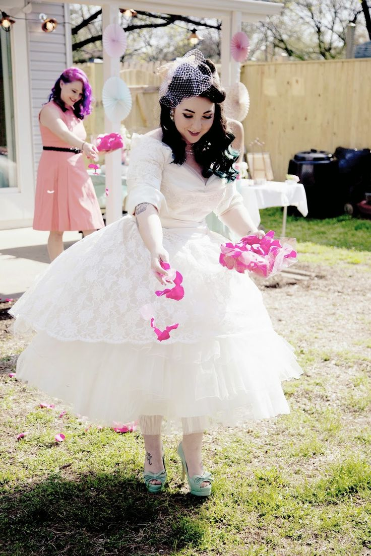 Lola tangled diy vintage backyard wedding on a tiny for Vintage pin up wedding dresses